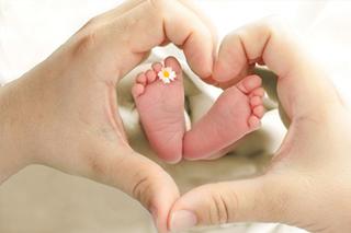 https://www.bigheartshomecare.ca/wp-content/uploads/2015/12/Postpartum-care.jpg