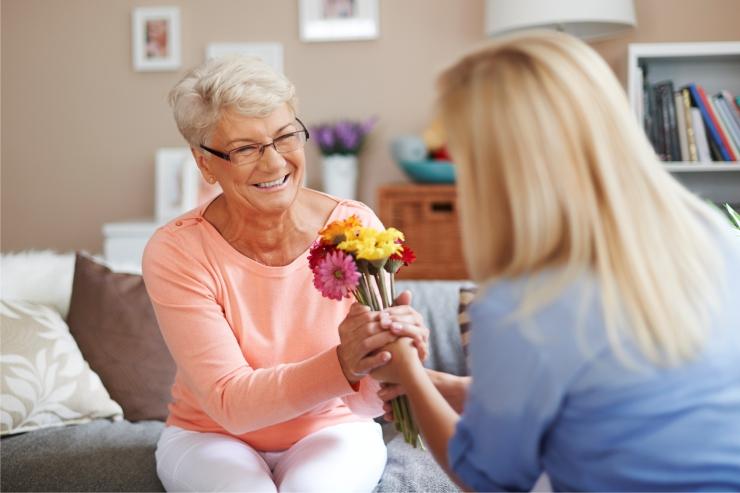https://www.bigheartshomecare.ca/wp-content/uploads/2015/12/companionship-care-1.jpg